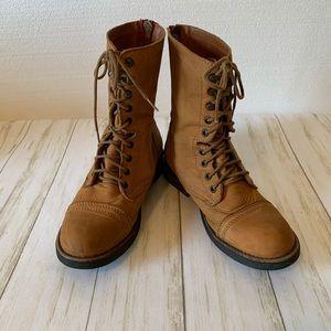 Steve madden zipper back boots size 9.5m